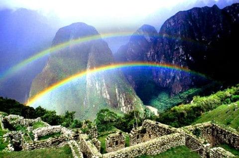Regenbogen bij MachuPicchu