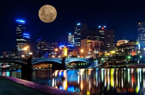 supermoon_over_the_city_by_danielleminer