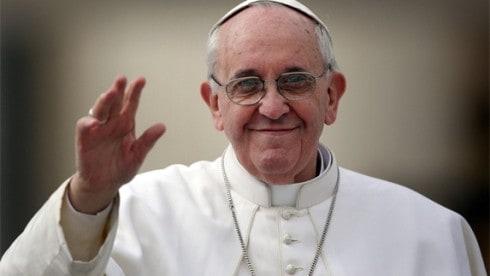 de Paus Zoals ze met Maria Magdalena zijn omgegaan is tot de dag van vandaag doorgegaan. De Paus zegt nog steeds dat vrouwen geen priester kunnen worden.