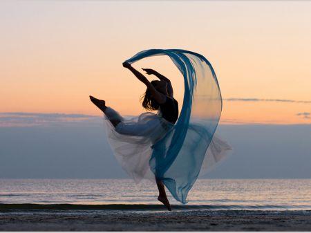 Dancer of light
