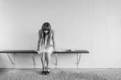 meisje-zorgen Oude pijn loslaten