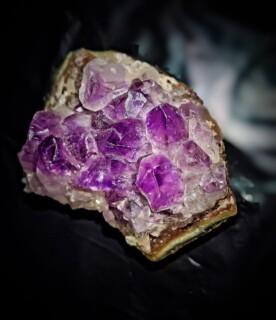 Edelstenen en kristallen ter ondersteuning van zwangerschap en geboorte
