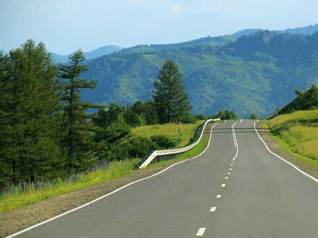 Een weg vol gaten: te overbruggen door vaart te maken