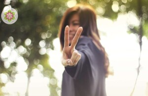 3 tekens dat je je eigen geluk in de weg staat