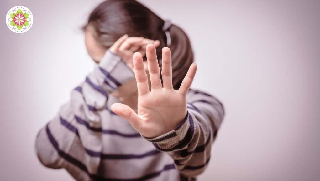 Waarom veel hooggevoelige mensen oogcontact vermijden