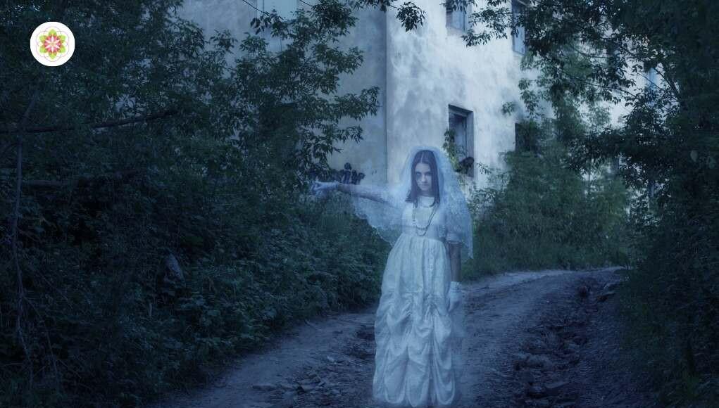 waarom we alleen 's nachts geesten zien