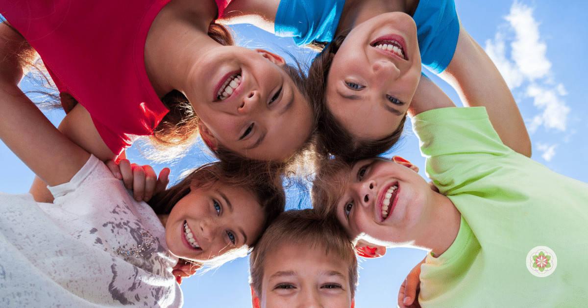 gelukkige en zelfverzekerde kinderen