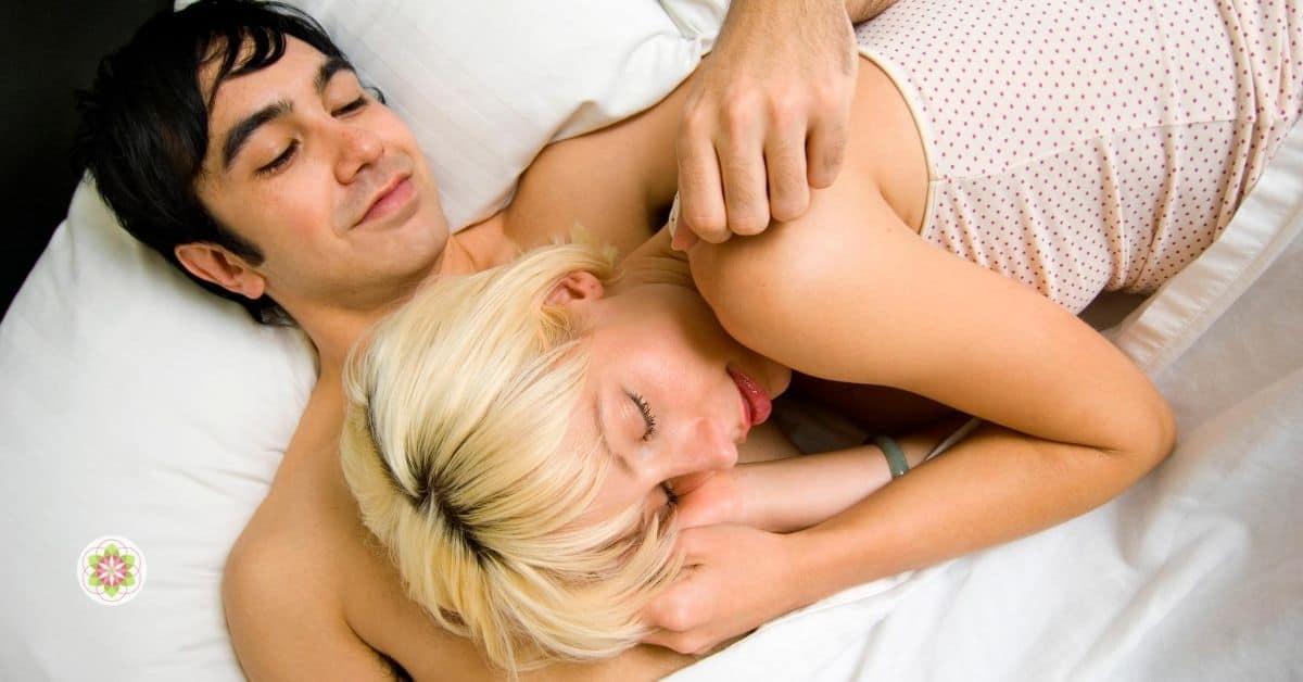 Slaap je beter met een partner naast je (1)